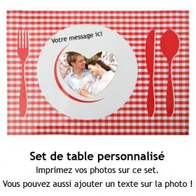 4 sets de table blancs...