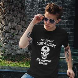 T shirt Jamais sous-estimer un homme né en mois à personnaliser